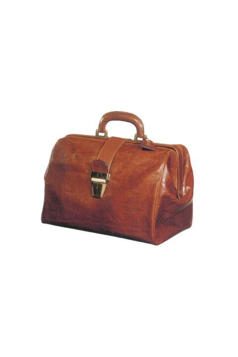 δερμάτινη τσάντα γιατρού με μεταλλικό κούμπωμα