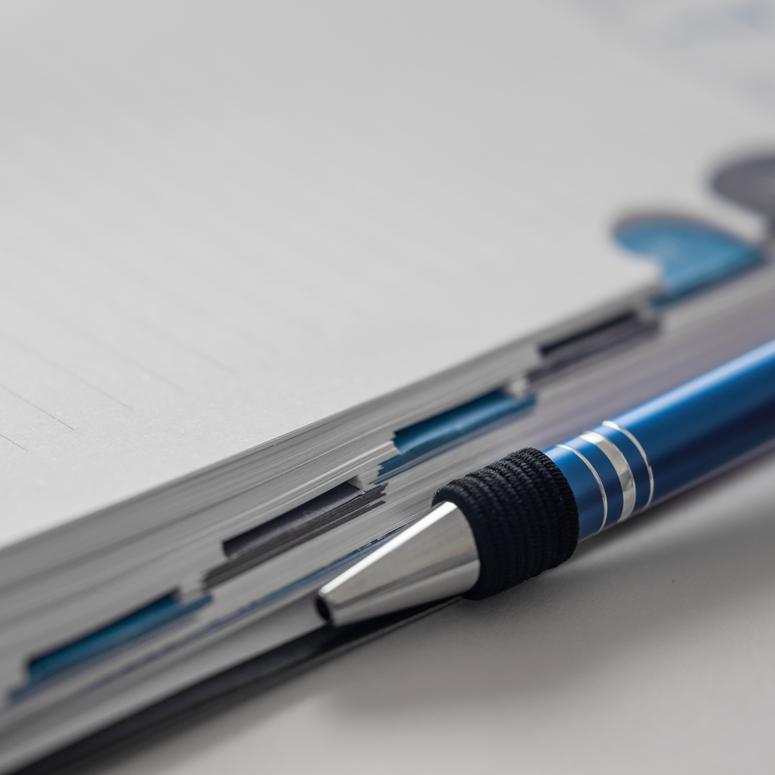 Προσθήκης θήκης για στυλό στο τέλος του βιβλίου